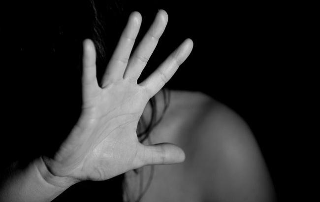 Жуткое насилие: в Мукачево пятеро мужчин изнасиловали несовершеннолетнюю