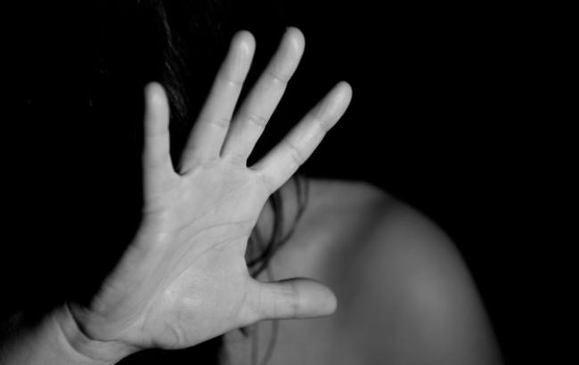 У РФ жінку зґвалтували по дорозі до місця, де вона планувала вчинити суїцид