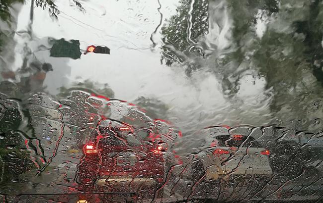 Фото: у Києві очікуються дощі і сильний вітер (Pixabey)
