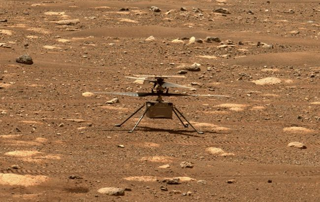 Вертолет NASA провел первый полет на Марсе