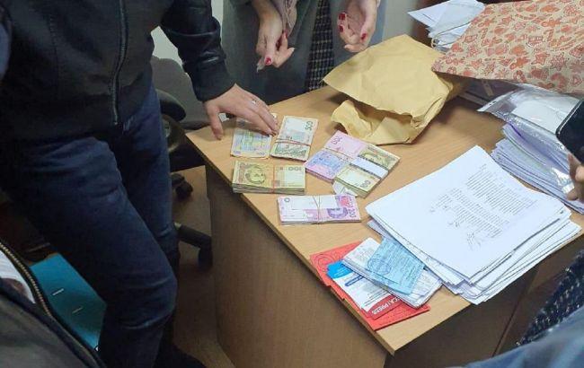 Під Києвом черезнизку виборчих порушень на дільниці відкрили трисправи