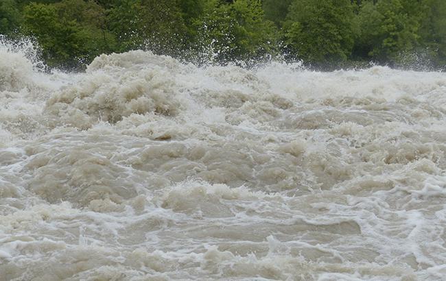 На Закарпатті пройшли сильні дощі: рівень води в с.Нижні Ворота виріс на 1.0 - 1.5м