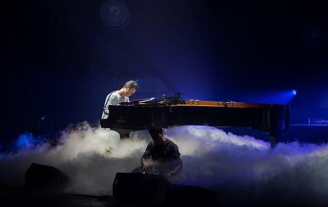 """Всемирно известный певец """"засветился"""" на концерте украинской звезды"""