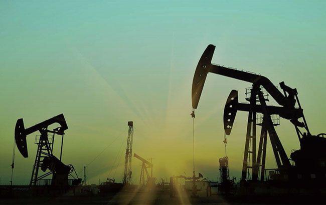 Фото: нафтові вишки