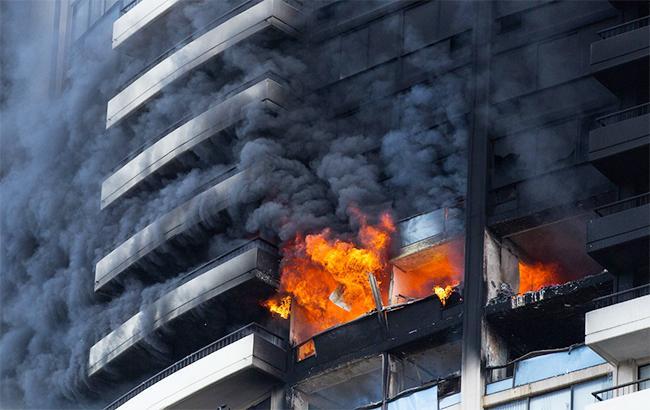 Фото: пожар в высотке на Гавайях (Honolulu Civil Beat twitter)