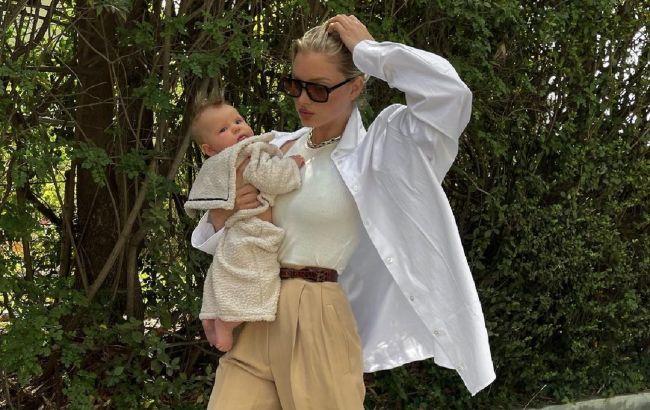 Эльза Хоск показала, как носить белую рубашку этой осенью: просто и стильно