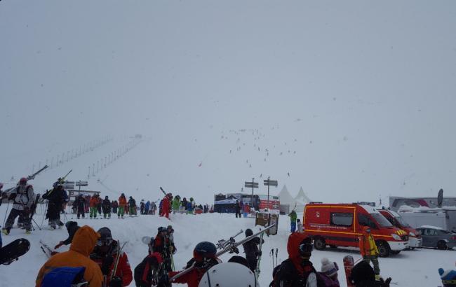 Появились видео лавины во Франции, которая накрыла горнолыжный курорт