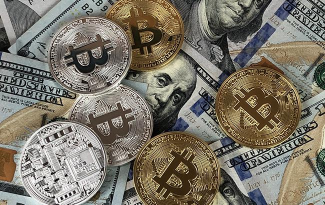 Курс біткоіна опустився нижче 7,5 тис. доларів за монету