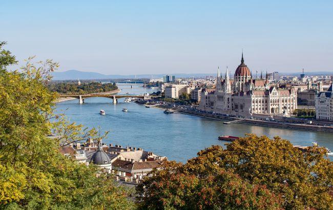 Венгрия начала пускать переболевших COVID-19: что нужно знать