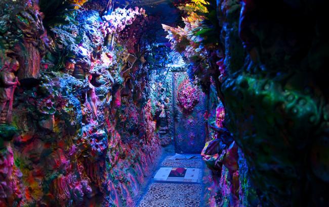 Фото: Під'їзд на Троєщині (alysov.blogspot.com)