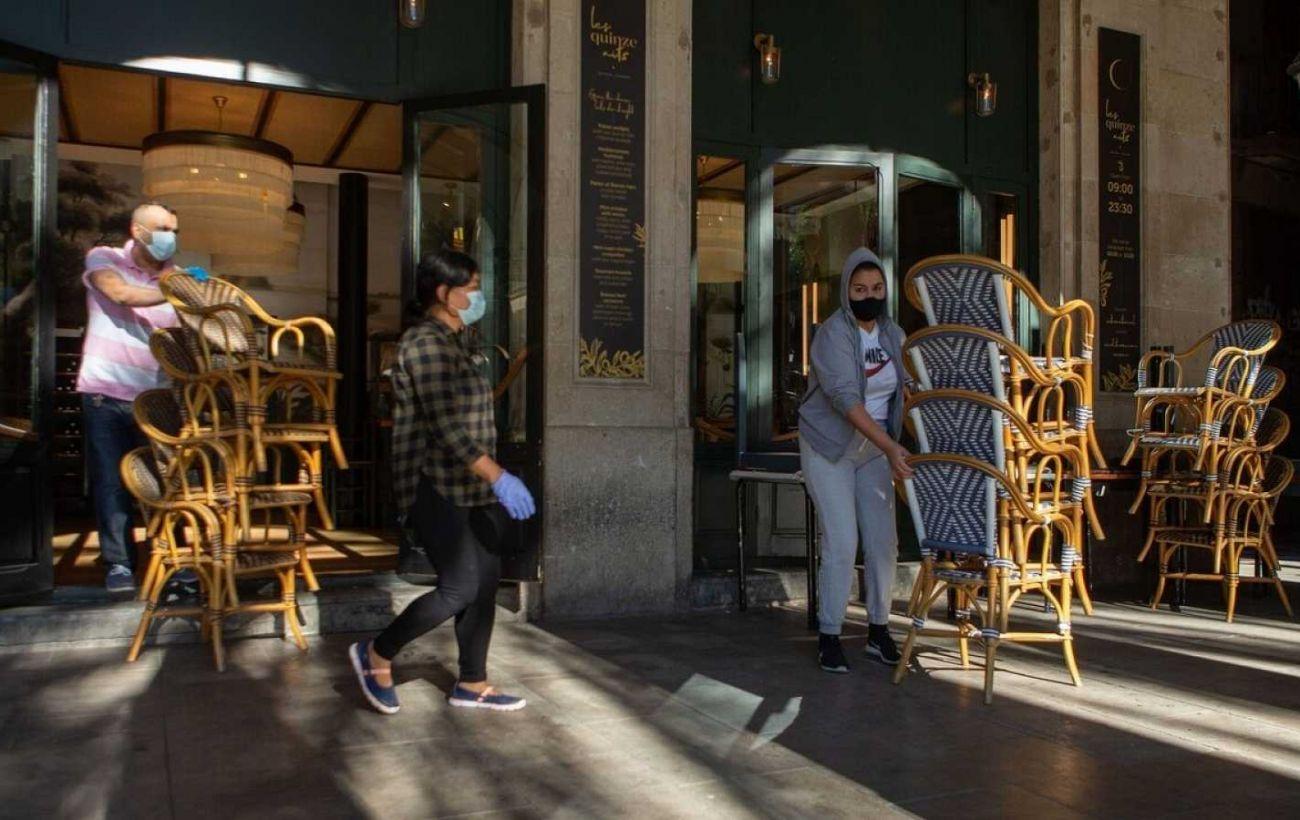 В Испании допускают введение комендантского часа в регионах из-за коронавируса