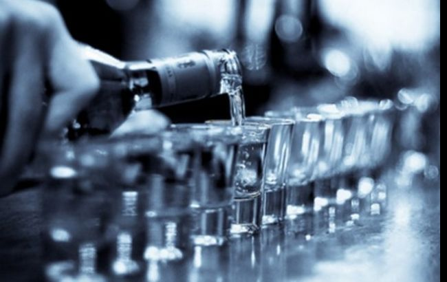 Фото: в Україні зафіксовано нові випадки отруєння сурогатним алкоголем