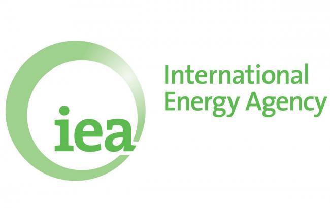 Фото: МЭА прогнозирует превышение предложения нефти над спросом на нее до 2017