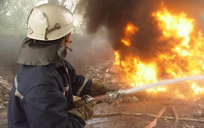 У Києві посеред дороги спалахнув автомобiль