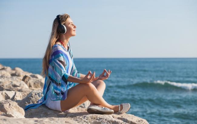 Фото: Музыка в процессе медитации - важный вспомогательный элемент