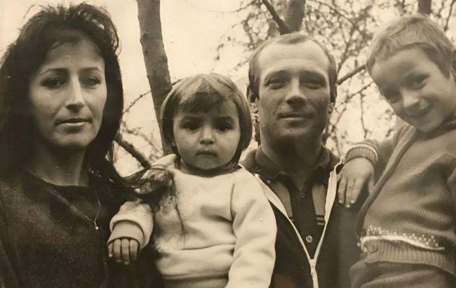 Чудова сім'я: Ілона Гвоздьова захопила фанатів зворушливими знімками з мамою