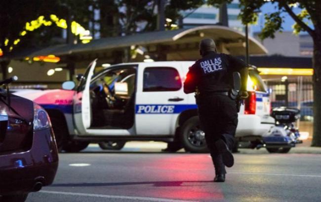 Фото: стрельба в Далласе во время акции протеста против убийства двух афроамериканцов полицейскими
