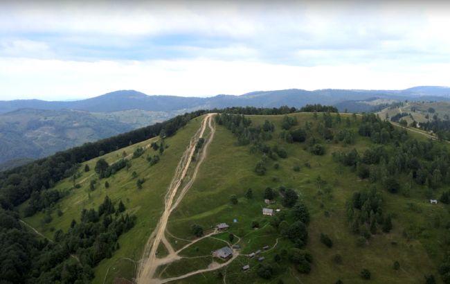 Горы, водопад и скалы-гиганты: самые интересные локации в Яремче для мини-отпуска