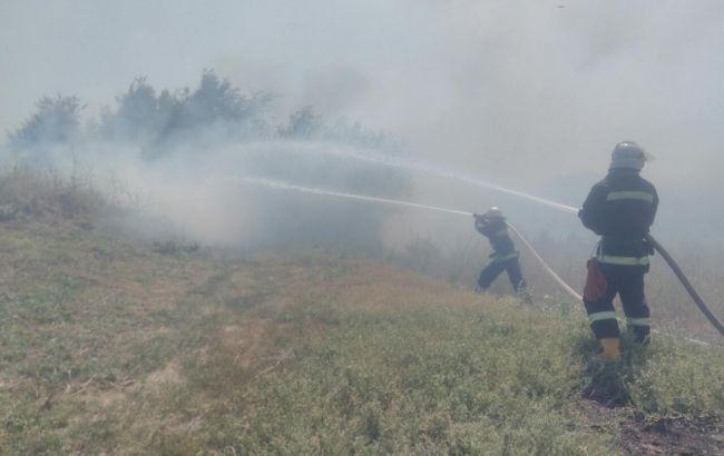 НаБроварском проспекте вКиеве полыхает 4 гатравы
