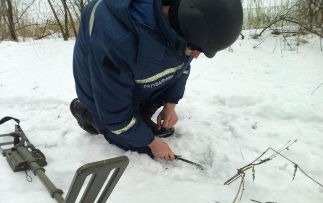 Фото: работы по очистке территории Авдеевки от боеприпасов