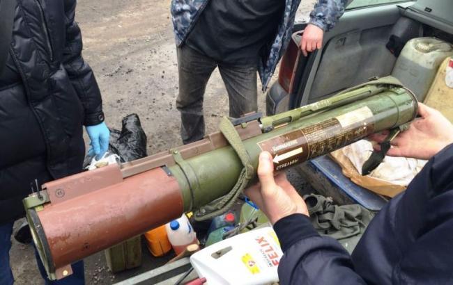 Військовий намагався вивезти із зони АТО зброю та вибухівку