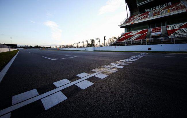 Формула-1 обратилась к болельщикам из-за переноса старта сезона
