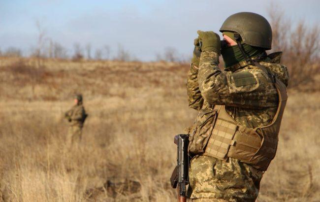На Донбассе в результате обстрела и подрыва автомобиля погибли двое военных