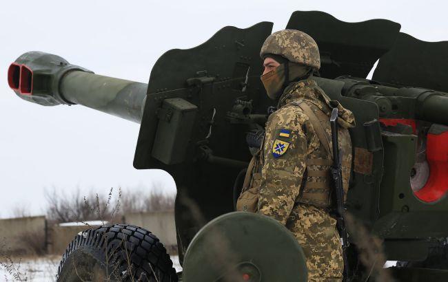 """На Донбасі сьогодні вісім порушень """"тиші"""". Українські військові стріляли у відповідь"""