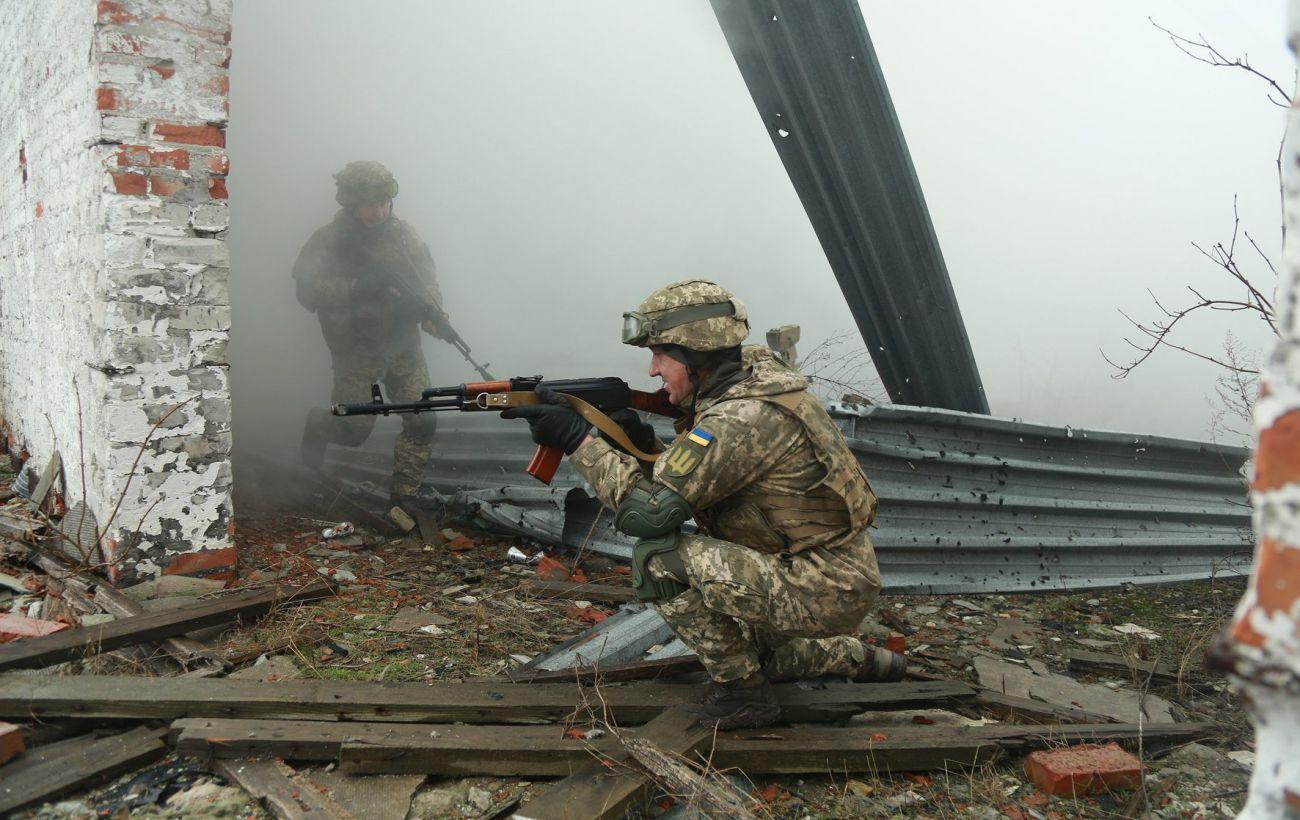 """Дистанционное минирование и обстрелы: боевики трижды нарушили """"тишину"""""""