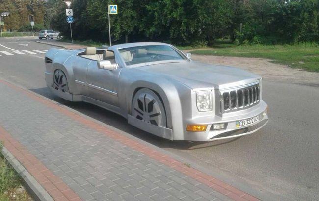 В Украине мастер превратил Jeep в огромный кабриолет: впечатляющие фото