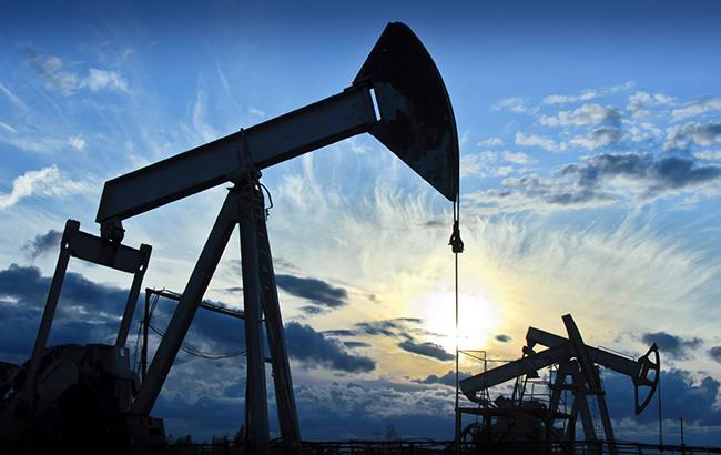 Цена нанефть непревышает диапазон 51-53 доллара забаррель