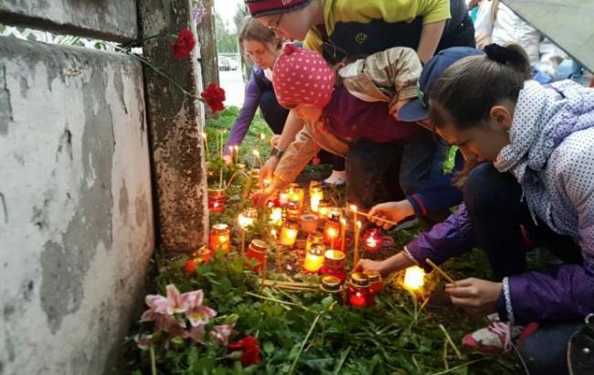 В Киеве почтили память умершего бездомного, пролежавшего два дня под стенами больницы скорой помощи
