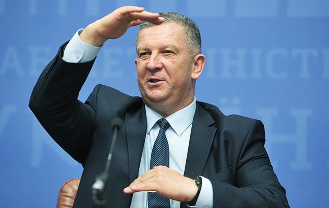 Возмущенному «перееданием» украинцев министру повысили зарплату