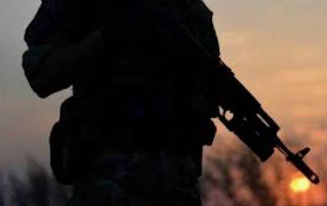 На Донбасі бойовики посилили обстріли, один український військовий поранений