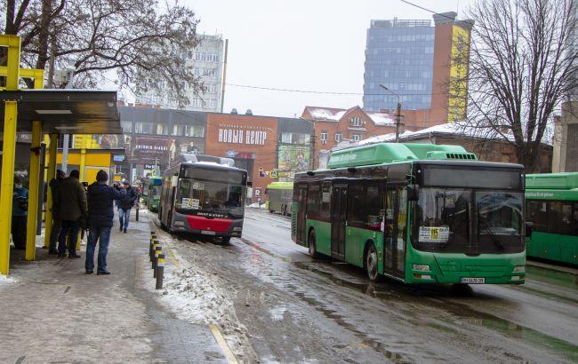 В Днепре проверяют санитарное и техническое состояние автобусов