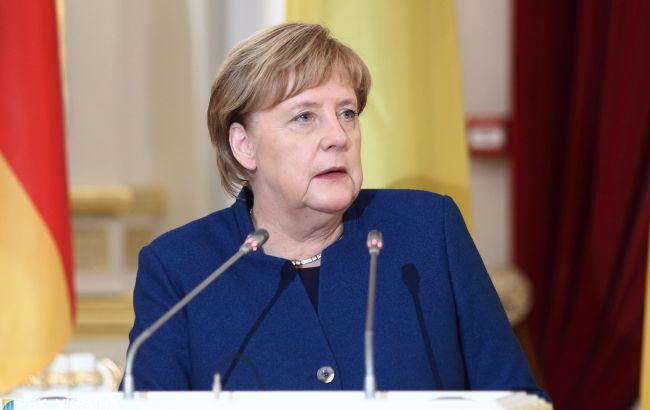 """Меркель виступила проти санкцій США щодо """"Північного потоку-2"""""""