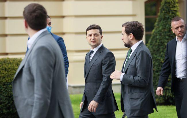 Прес-конференція Зеленського почалася з гучного скандалу: подробиці