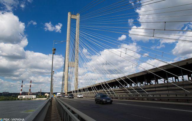 У Києві частково обмежать рух на Південному мосту з-за ремонту