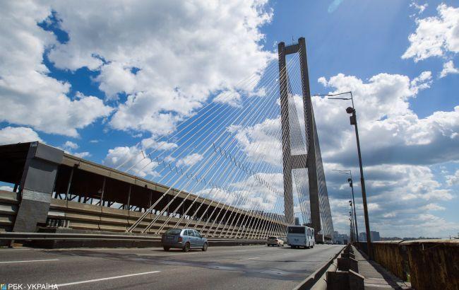 Сьогодні на Південному мосту в Києві обмежать рух транспорту