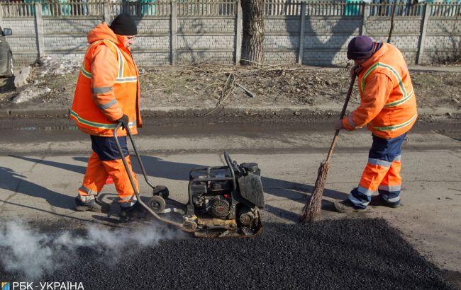У Києві закрили на ремонт пішохідний міст
