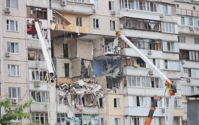 Мешканка будинку, що вибухнув у Києві, розповіла про чудесне спасіння