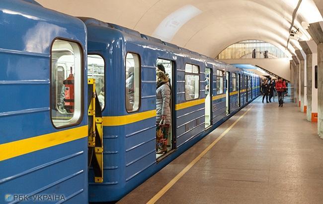 Киевский метрополитен начал обновление объявлений в вагонах
