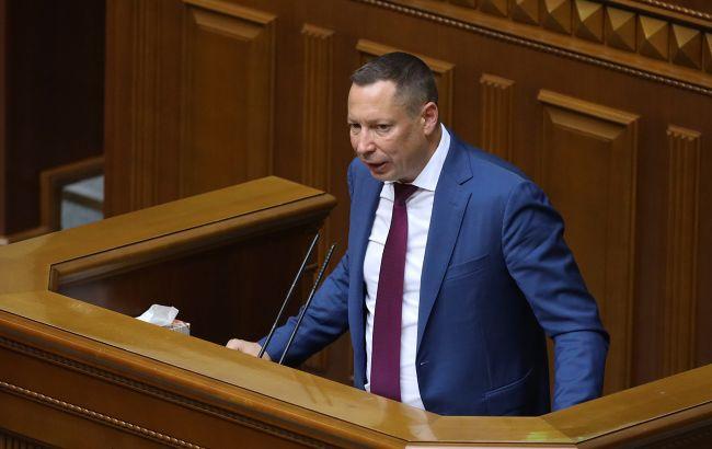 Шевченко пояснил отказ НБУ сдерживать падение гривны