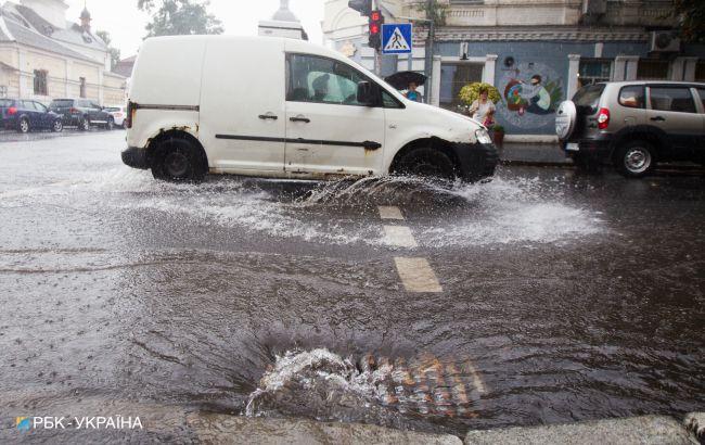 В Україну йде сезон злив: які області затопить