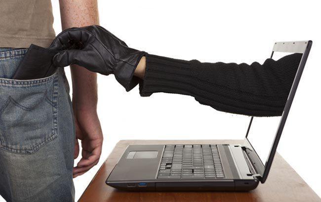 """""""Один клік"""" мобільного оператора звинуватили у співпраці з шахраями"""