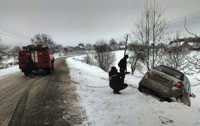 ВоЛьвовской области из-за непогоды обесточены неменее 40 населенных пунктов
