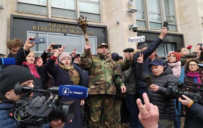 У Молдові ветерани війни в Придністров'ї штурмують будівлю уряду