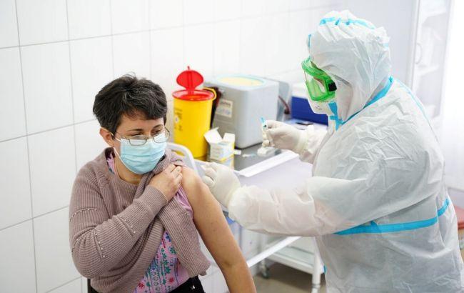 Україна веде переговори з Ізраїлем про отримання вакцини Pfizer
