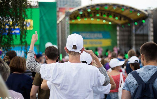 Зрелища вместо хлеба: как на концертах в Киеве агитировали накануне выборов в Раду