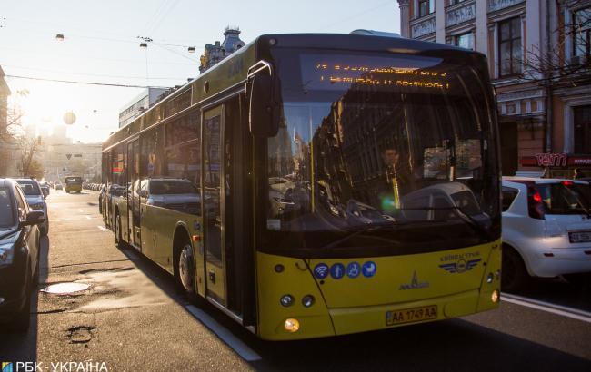 """""""В тюрьму посадят"""": водитель киевского троллейбуса угрожал пассажирам"""